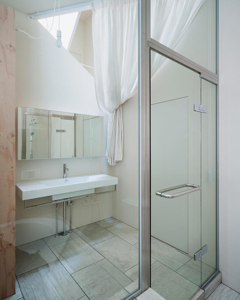 kochi-architects-studio-kame-house-niigata-japan-designboom-05
